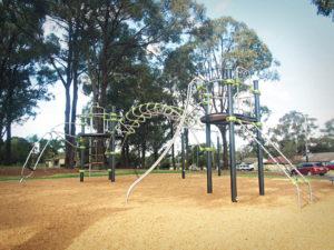 Lucena Crescent Playground J2536M Ixo metal multiplay unit