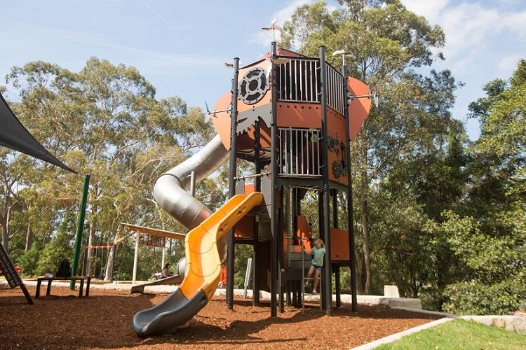 NSW – Banjo Paterson Park Metropolis Tower
