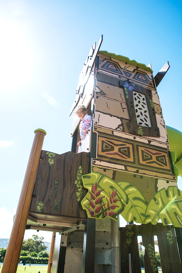 Adventure Tower Amazone - jungle-themed graphics