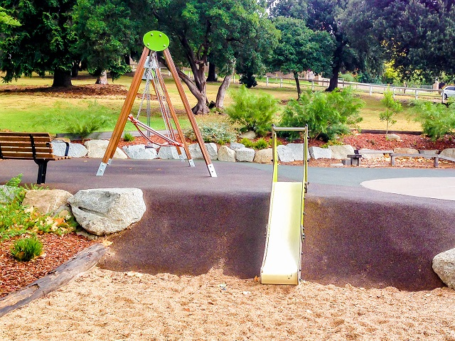 Bega Park Playground