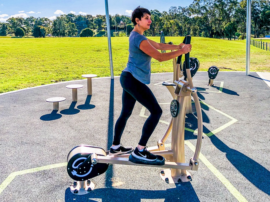Elliptical Cross Trainer with charger