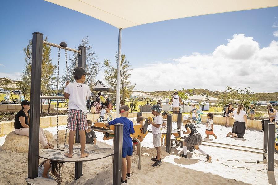 WA – Amberton Beach Lighthouse Park Playspace