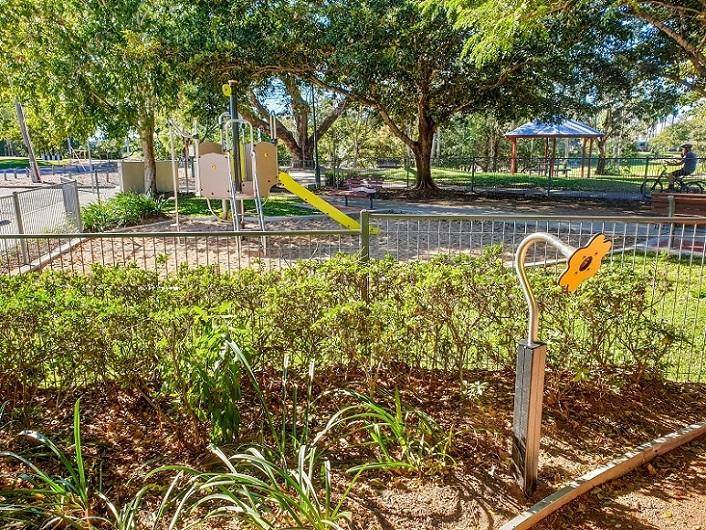 QLD – Aplins Weir Rotary Park Inclusive Playground