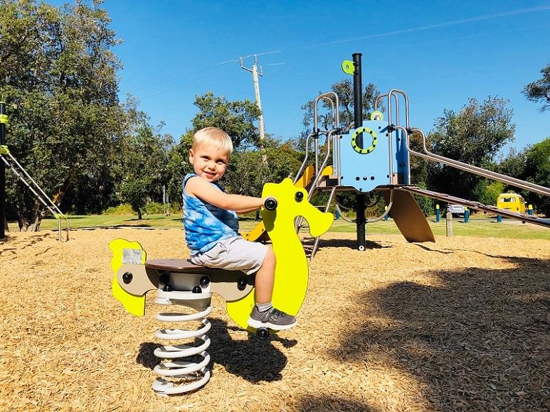 VIC – Gale Street Reserve Playground