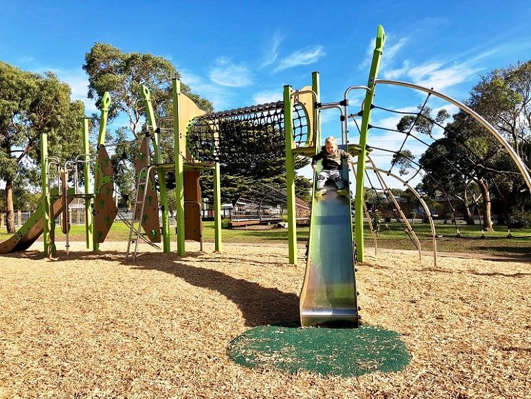 VIC – Harold Hughes Reserve Playground