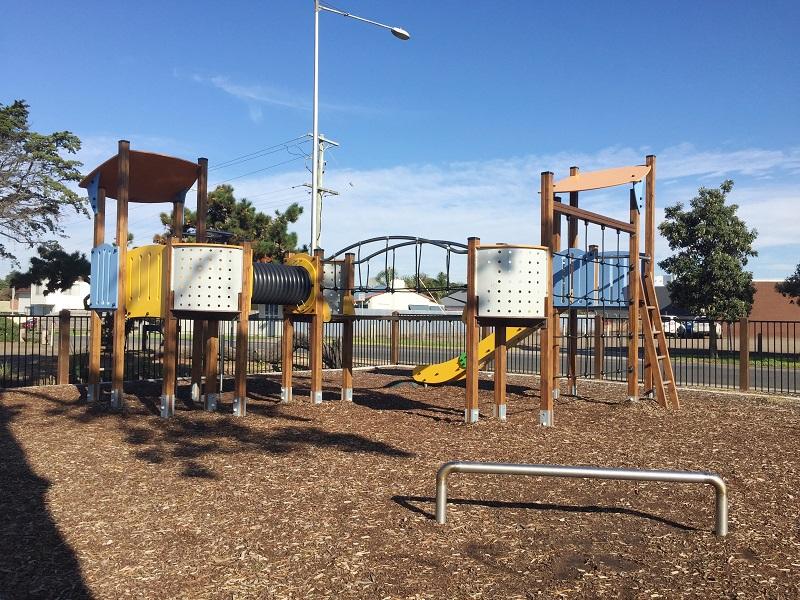 VIC – Harvey Park Playground
