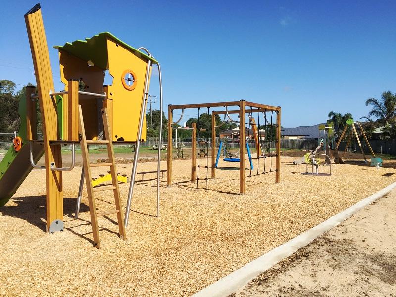 VIC – Clairmont Close Reserve Playground