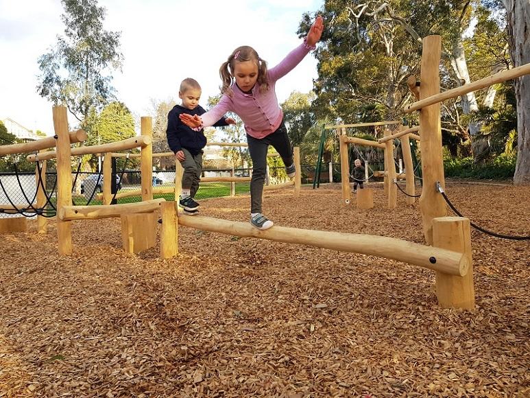 VIC – Kooyong Gardens Playground
