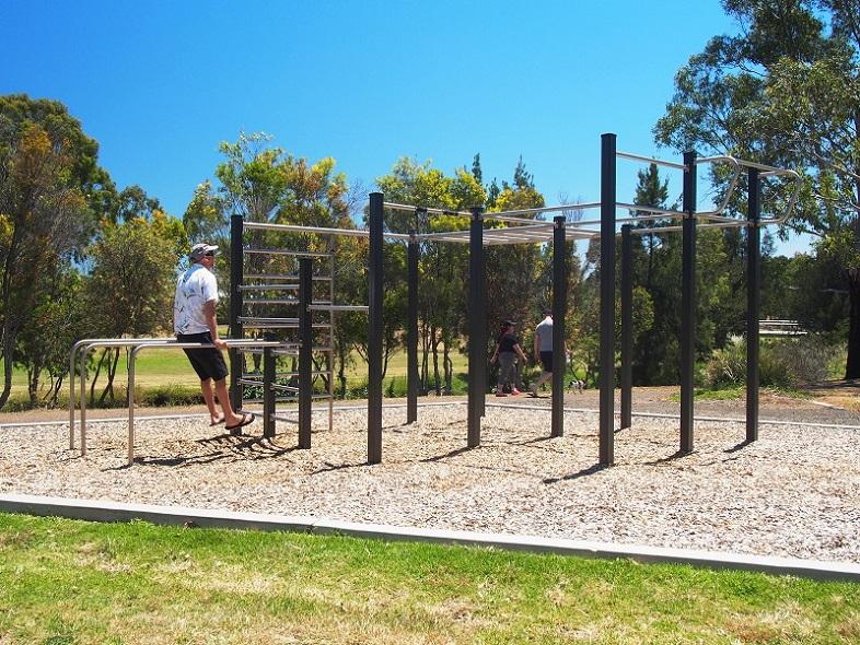 SA – Mawson Lakes Outdoor Fitness Stations