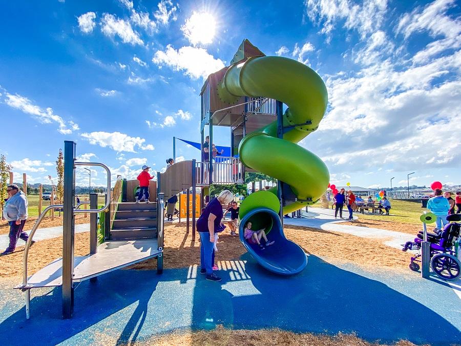 NSW – Riverside Park Inclusive Playground Goulburn