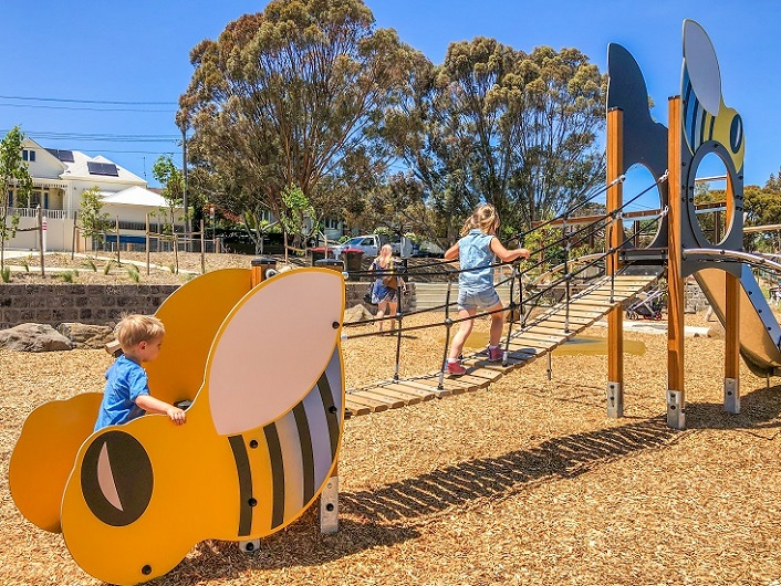 VIC – Sheils Reserve Themed Playground