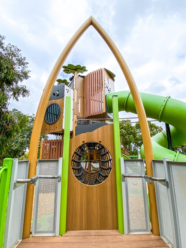 VIC – The Lakes Reserve Playspace