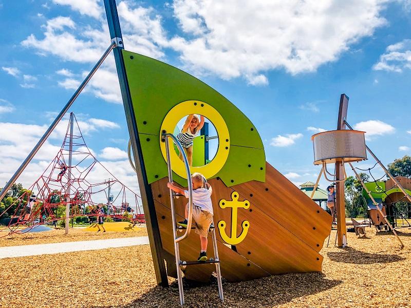 VIC – VR Michael Reserve Playground