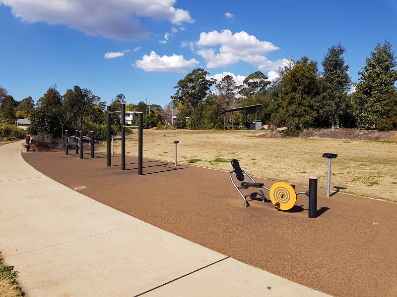 QLD – Wilsonton Heights Park Fitness Trail